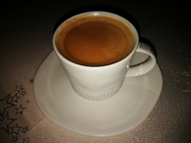 Eine Tasse Espresso