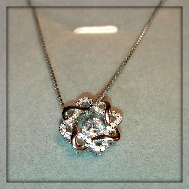 Wunderschöne Halskette von Double.Q