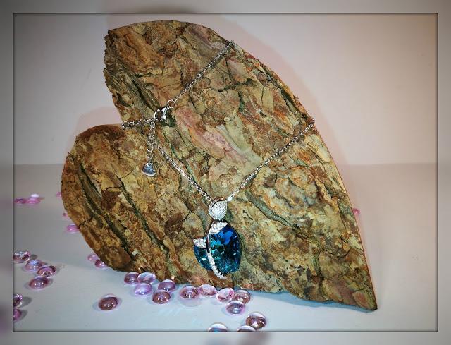 Halskette Rosenherz von Mega Creative Jewelry